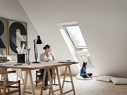 Licht von allen Seiten: Mit modernen Dachfenstern wird es überall hell und gemütlich